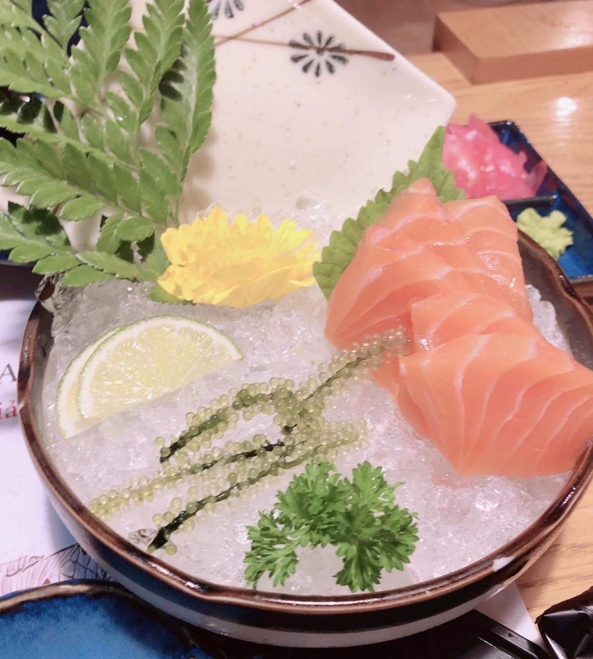 samon sashimi